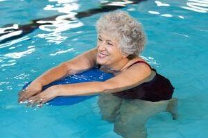 Osteoarthritis vs Rheumatoid Arthritis - Senior Woman Swimming